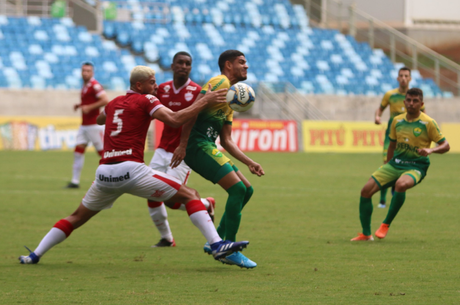 Vila Nova venceu o Cuiabá na Arena Pantanal (Foto: AssCom Dourado)