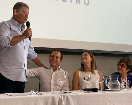 Gustavo Bebianno, ex-braço direito de Jair Bolsonaro, participa de cerimônia de filiação ao PSDB no Rio de Janeiro acompanhado do governador de São Paulo, João Doria.