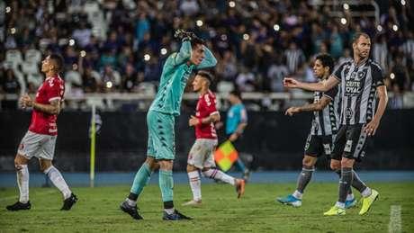 Gatito falha feio e Botafogo perde em casa (Maga Jr/Ofotografico/Lancepress!)