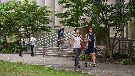 Universidaades americanas cobram mensalidades bastante caras em comparação a outros países
