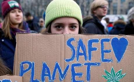 Estudantes passaram a realizar manifestações de rua para pressionar por políticas ambientais