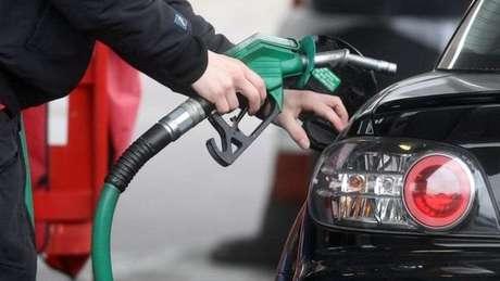 Governo brasileiro decidiu elevar cota de etanol importado isenta de taxa de 20% por um ano
