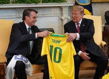 Bolsonaro e Trump durante reunião na Casa Branca