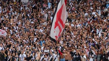 Histórico! Torcida do Vasco abraçou a campanha (Foto: Carlos Gregório Jr/Vasco.com.br)