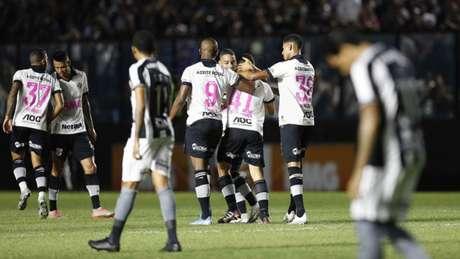 Última vitória do Vasco, em casa, foi sobre o Botafogo, em meados de outubro (Rafael Ribeiro/Vasco)