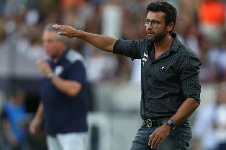 Valentim justificou as substituições feitas no duelo contr o Inter (Foto: Vítor Silva/SS Press/ Botafogo)
