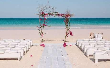 1. Aproveite a beleza natural na sua cerimônia de casamento ao ar livre – Foto: Kallima Photography