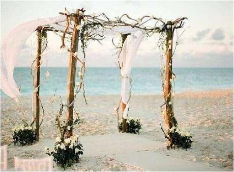 36. Ideia para decoração de casamento simples e rústico ao ar livre – Foto: Pinterest