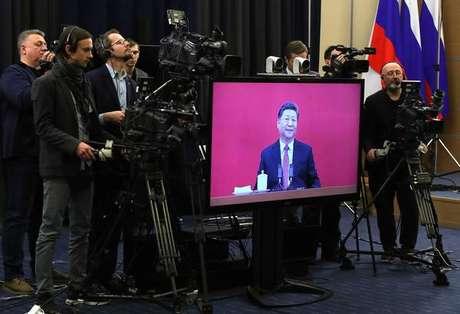 Xi Jinping participa de videoconferência com Putin para inaugurar gasoduto