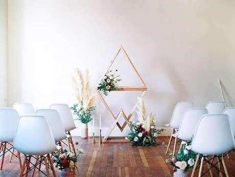 9. Decoração minimalista para cerimônia de casamento – Foto: Amy Golding Photography