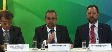 'Esse governo não tem a nada ver com o Pisa', diz o ministro da Educação, Abraham Weintraub