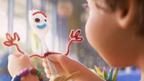 Ao dar exemplos sobre casos ligados à palavra 'existencial' o site citou o personagem Garfinho, de 'Toy Story 4'