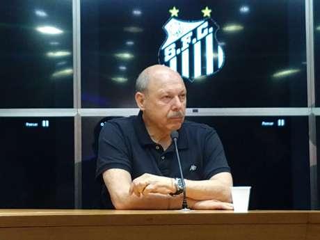 Peres adiantou o 13º aos jogadores e pagou uma das três parcelas dos direito de imagem (Gabriela Brino/Lancepress!)