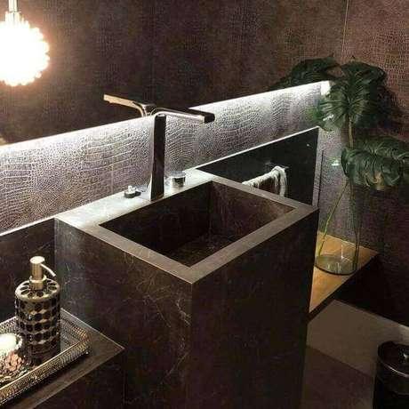 32. A torneira para pia de banheiro pode ser moderna. Projeto de Diamond Stone