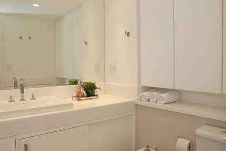 12. A torneira para pia de banheiro deve combinar com o restante do ambiente. Projeto de Ark2 Arquitetura