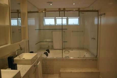 30. O fechamento da torneira para pia de banheiro é importante de ser observada. Projeto de Sueli Porwjan