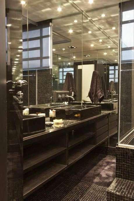 24. A torneira para pia de banheiro pode ser instalada em muitas áreas. Projeto de Léo Shehtman