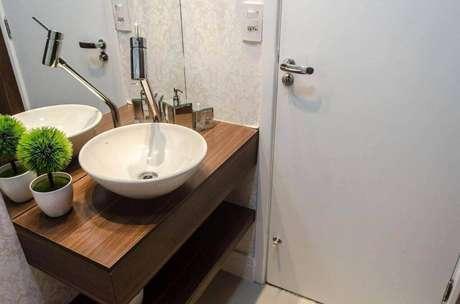 26. A torneira para pia de banheiro é chamativa a depender do tamanho. Projeto de Paula Danielly Said