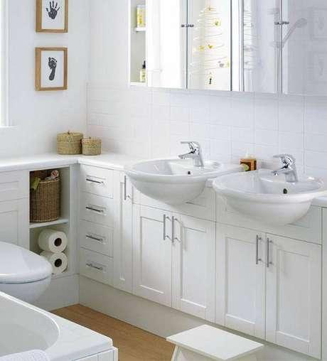 15. A torneira para pia de banheiro é um item funcional. Foto: Revista Viva Decora.