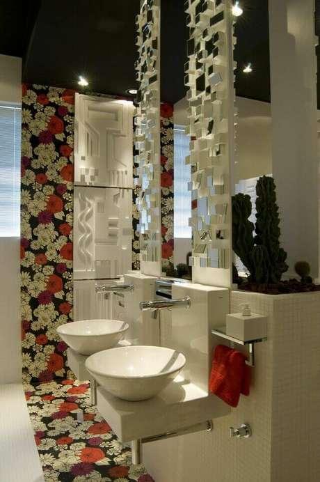 28. A torneira para pia de banheiro econômica é delicada e funcional. 9Projeto de Patrícia Azoni