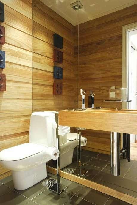 41. Esta torneira para pia de banheiro chama a atenção pelo formato e saída diferenciados. Projeto de Léo Shehtman