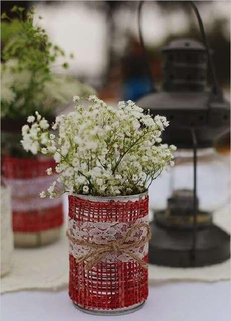 45. Utilize linha de sisal para decorar as latas de alumínio. Fonte: Pinterest