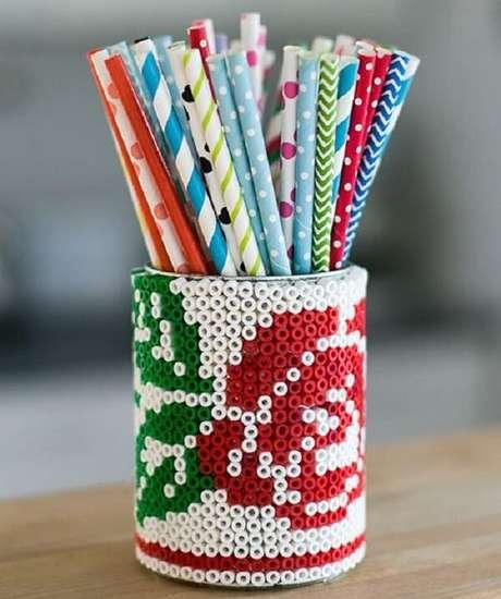 78. Latas decoradas de forma criativa. Fonte: Pinterest