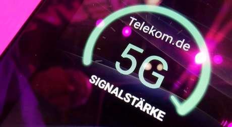 Sinal da Deutsche Telekom para 5G, exibido em dispositivo móvel em feira de tecnologia em Berlim, Alemanha  05/09/2019 REUTERS/Hannibal Hanschke