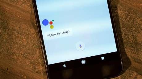 O assistente de voz Google Assistant vai começar a conhecer marcas como Banco do Brasil, Nubank, iFood e Rappi