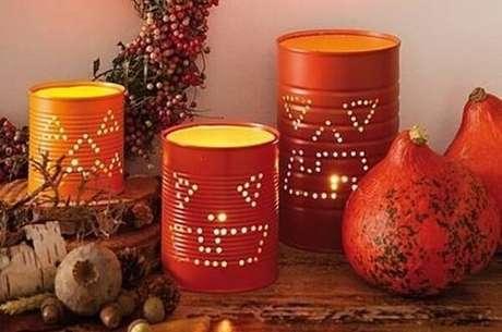 50. As latas decoradas podem ser utilizadas em eventos temáticos como o Halloween. Fonte: Pinterest