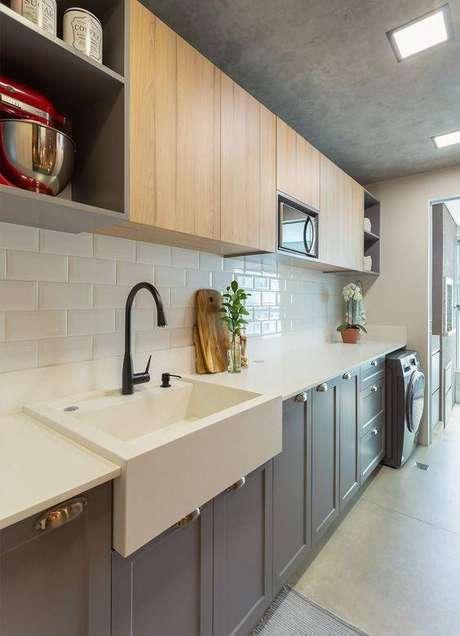 28. Esta cozinha cinzaé super delicada. Foto: ArchTrends