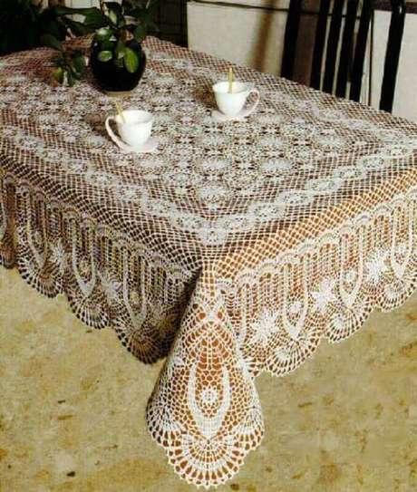 3. Modelo de toalha de mesa de crochê quadrada