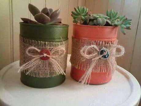 10. Latas decoradas com detalhes em barbante. Fonte: Pinterest
