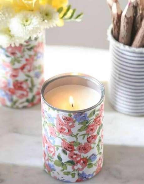 41. As latas decoradas podem servir para diversas finalidades. Fonte: Pinterest