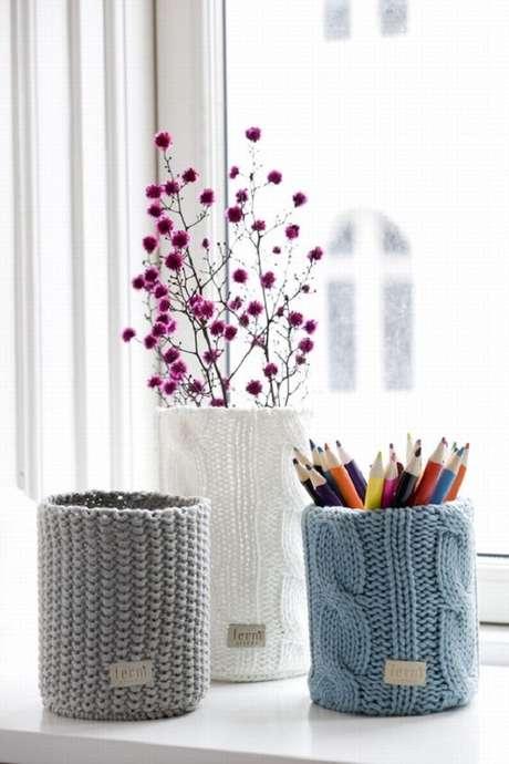 21. Latas decoradas com crochê. Fonte: Pinterest