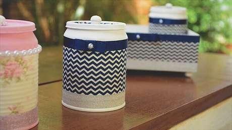 36. Latas decoradas de leite condensado com tecido. Fonte: Pinterest
