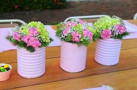 34. Latas decoradas de leite condensado para centro de mesa. Fonte: Pinterest