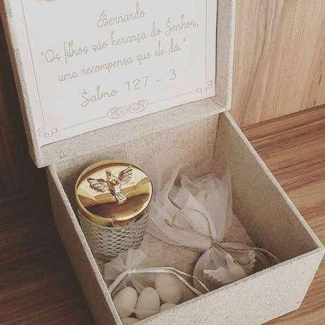 67. Lembrancinha de batizado para padrinhos com presentes especiais – Foto: Elo7