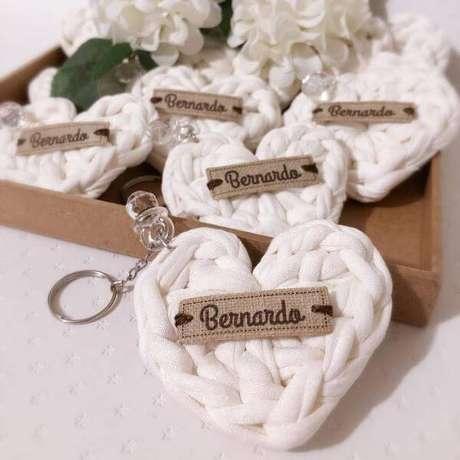 4. Lembrancinha de batizado feito de crochê – Via: Pinterest