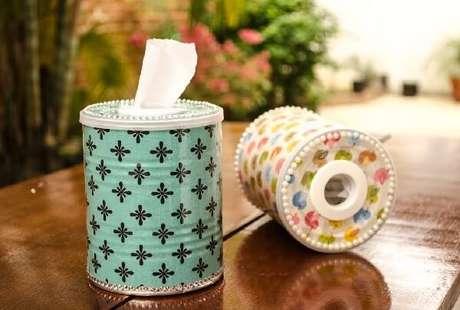 73. Utilize a lata de alumínio para colocar lenços umedecidos. Fonte: Pinterest