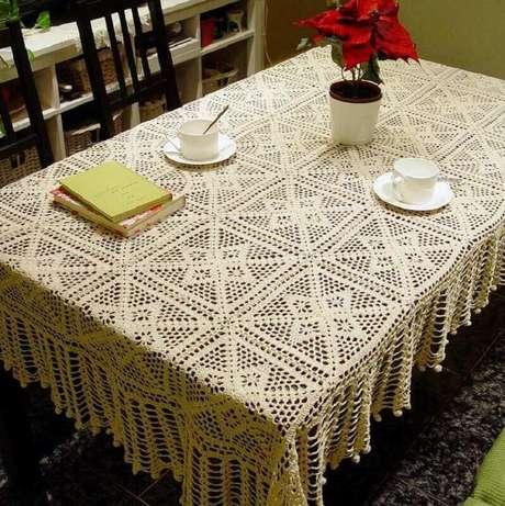 6. A toalha de mesa de crochê quadrada são mais fáceis de fazer.