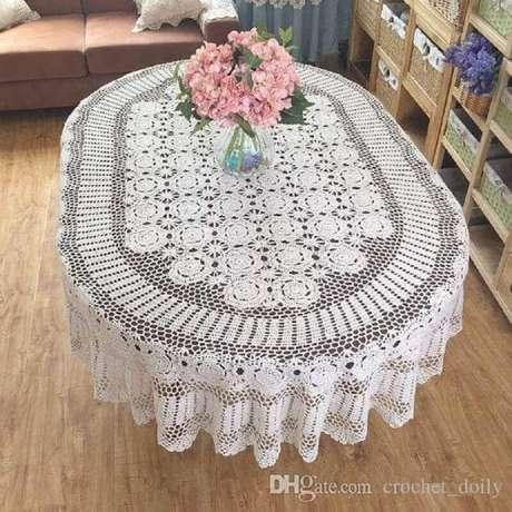 40. Toalha de mesa de crochê oval