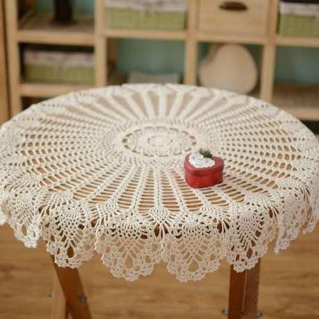 48. A toalha de mesa de crochê branca é a mais popular. Foto: Pinterest