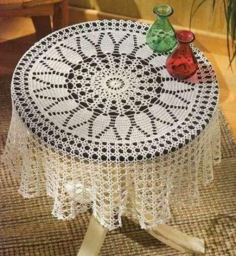 47. A toalha de mesa de crochê é delicada. Foto: Pinterest