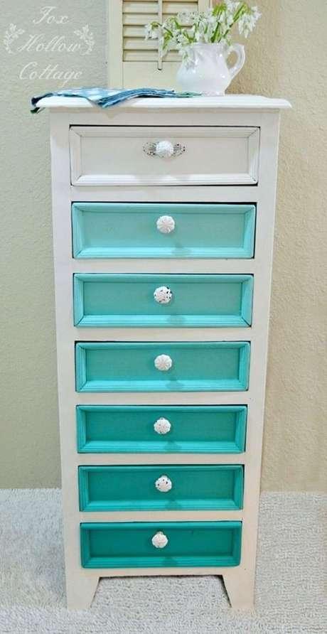 71. Você pode brincar com o azul Tiffany de muitas formas. Foto: Pinterest