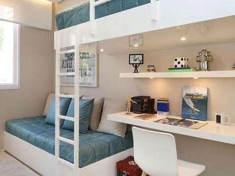 60. Beliche branca com escrivaninha e luz embutida. Fonte Pinterest
