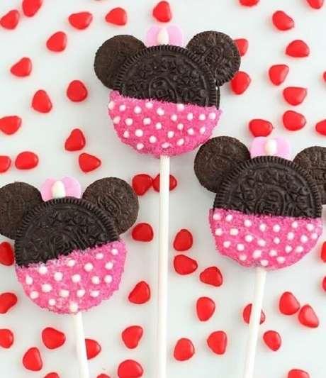 10 – Utilize bolachas oreo ou negresco para criar sobremesas com a carinha da personagem. Fonte: Decor Fácil