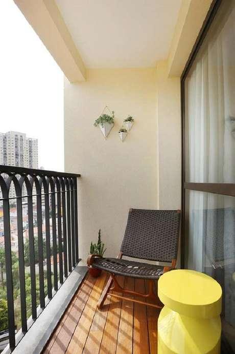 11. É importante que os móveis para varanda seja compatível com o tamanho do espaço disponível – Foto: Pinterest