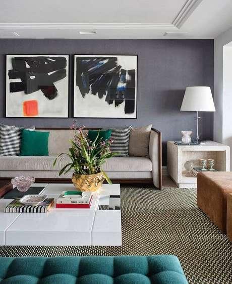 15. A tinta cinza parede é uma vantagem pois se harmoniza facilmente a diferentes estilos de decoração – Foto: Babi Teixeira