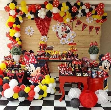 1 – Decoração para festa da Minnie. Fonte: Fazendo a Nossa Festa